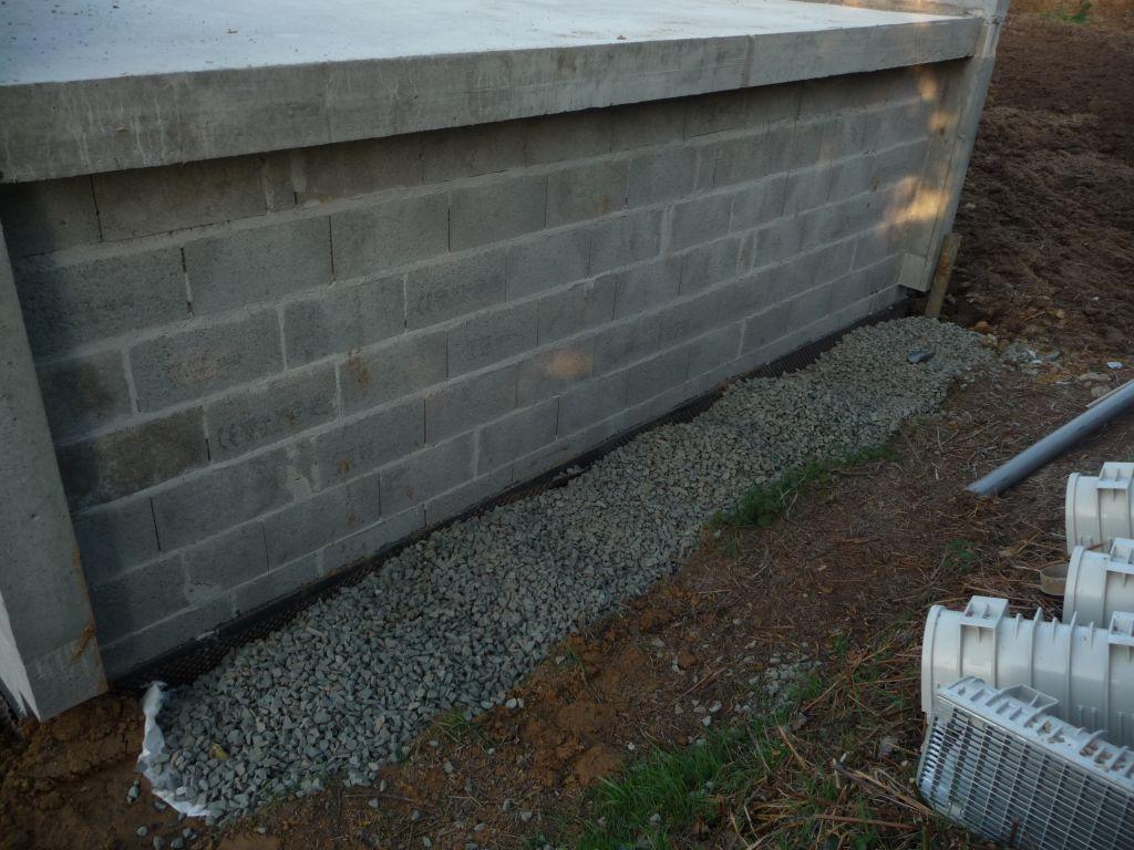 vue drainage au bout de la terrasse accessible