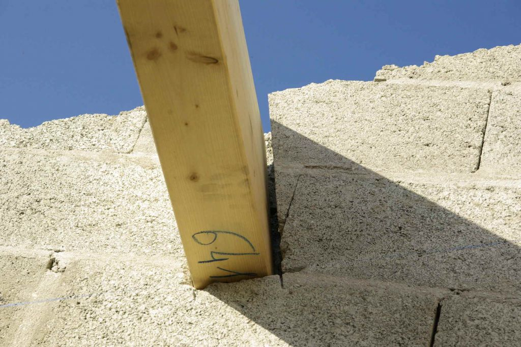 fixation des pannes sur la maçonnerie