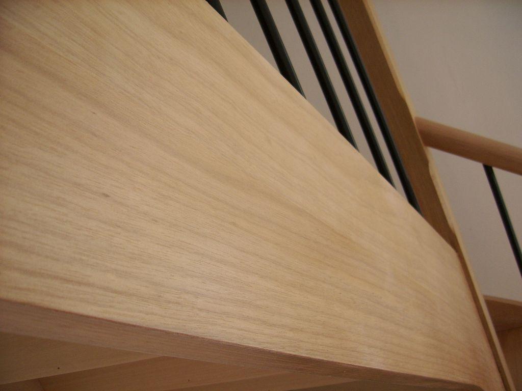 comment vitrifier un escalier neuf 23 messages. Black Bedroom Furniture Sets. Home Design Ideas