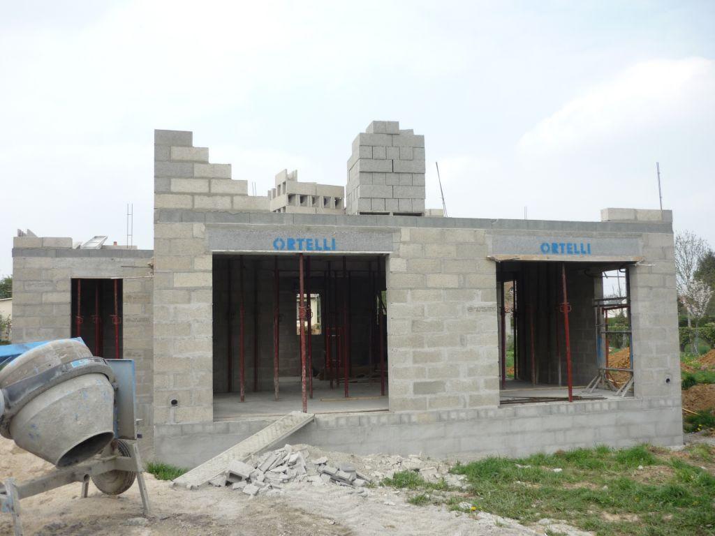 Maison ortelli cubique a toit plat semi auto construction, buchy ...