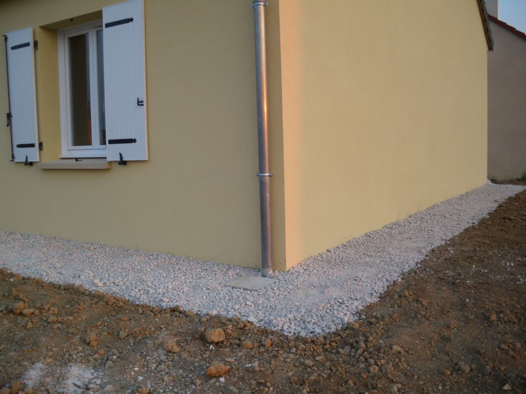 Protection de l 39 enduit contre les claboussures de la for Protection mur exterieur