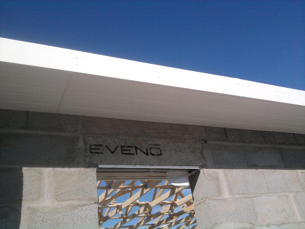 planche de rive PVC   lambris PVC pour le porche