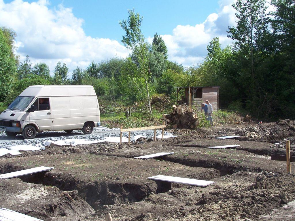 Fondation coul es nettoyage du terrain cloture for Sechage fondation