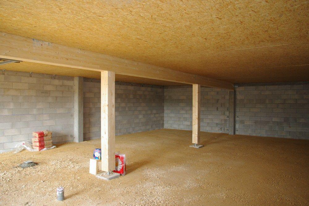 Le sous-sol avant préparation, avec un tout venant bien dammé !!