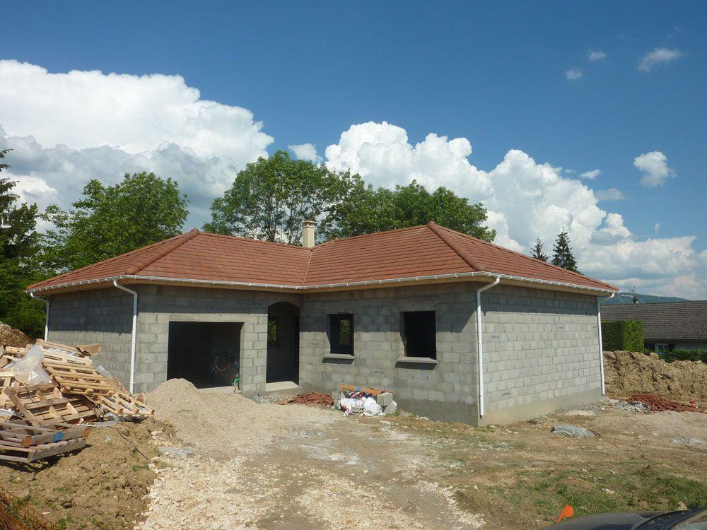 Et voici notre jolie toiture terminée en Tuiles plates Alpha 10