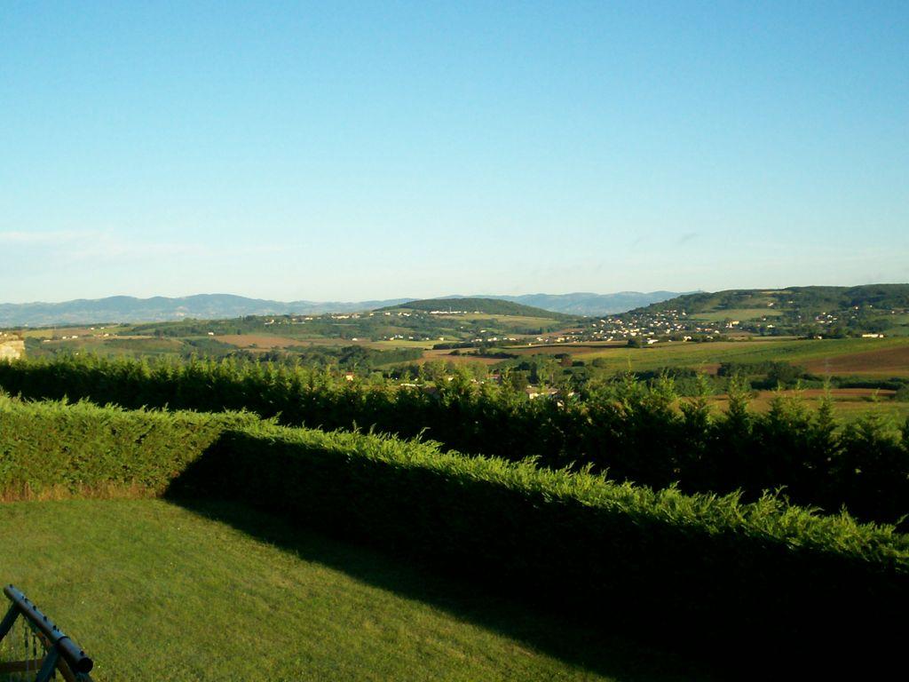 Belle vue sur la vallée de la Sévenne et des Monts du Lyonnais