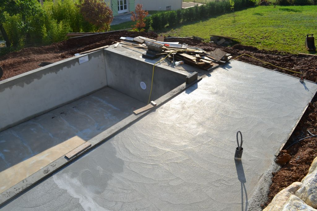 Construction maison dans le nord du tarn 81 albi tarn for Construction piscine 81