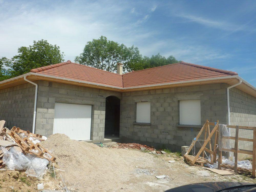 Entrée (2 chambre a droite/garage à gauche)