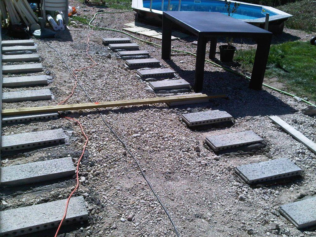 Terrasse en bois composite sur parpaings 42 messages for Plan terrasse bois sur plot beton