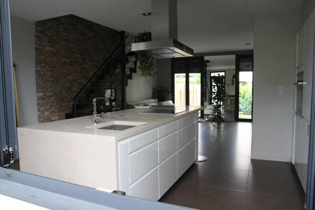 Autre pièce habitable 46m2 revêtement papier peint - Perpignan (Pyrenees Orientales - 66) - juin 2011