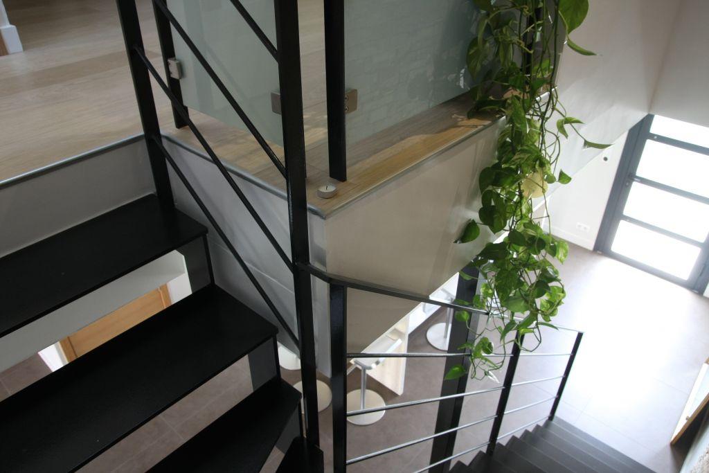 Dégagement / couloir ambiance contemporaine - Perpignan (Pyrenees Orientales - 66) - juin 2011