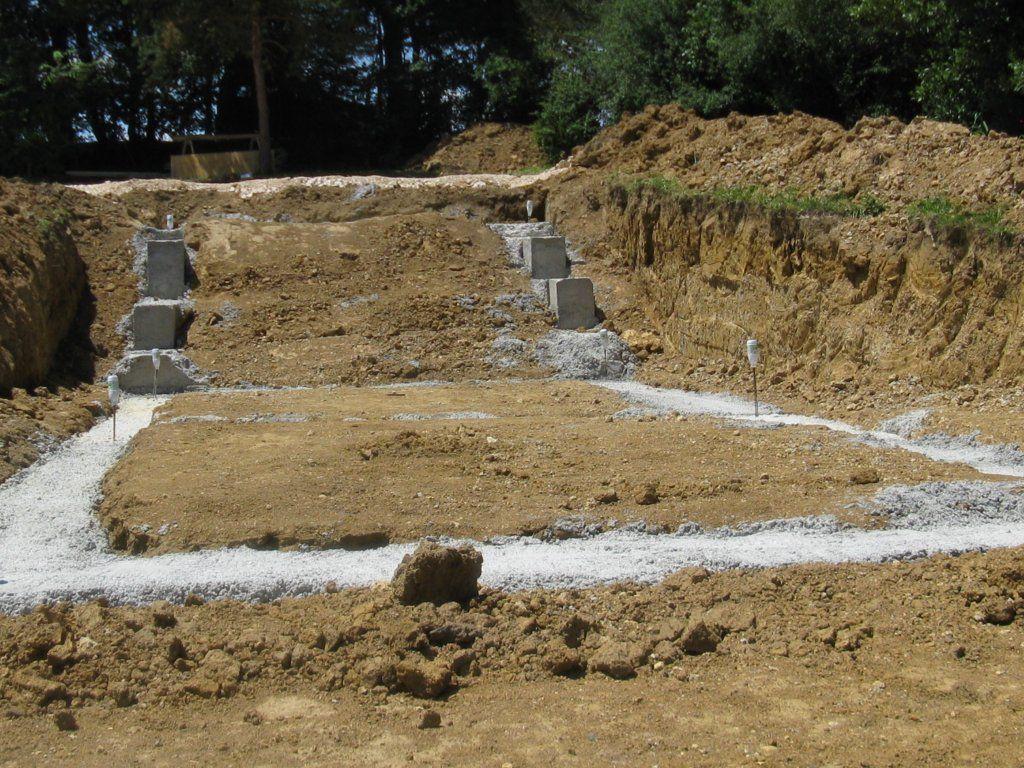 A partir du premier plan: la partie sur hérisson, la partie sur cave, et la partie sur vide sanitaire
