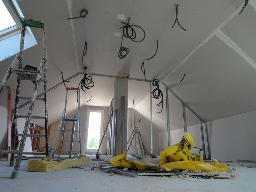 etage avec plafonds isolés et plaqués