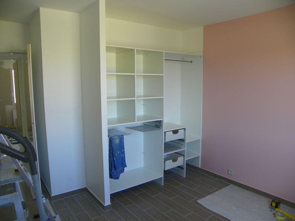 R ception placard chambre et meuble sdb montigne sur for Placard sdb