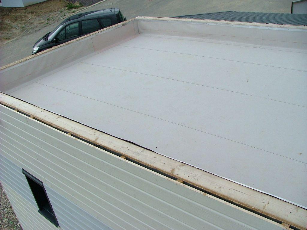 liner sur le toit plat