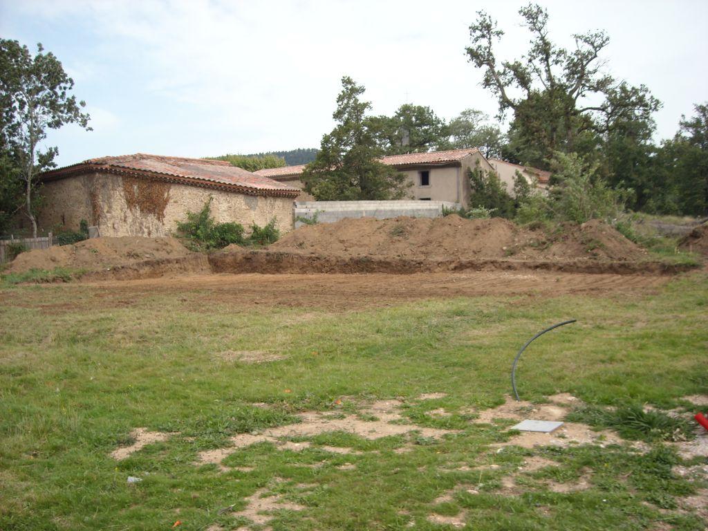Terrassement du terrain : vue du portail