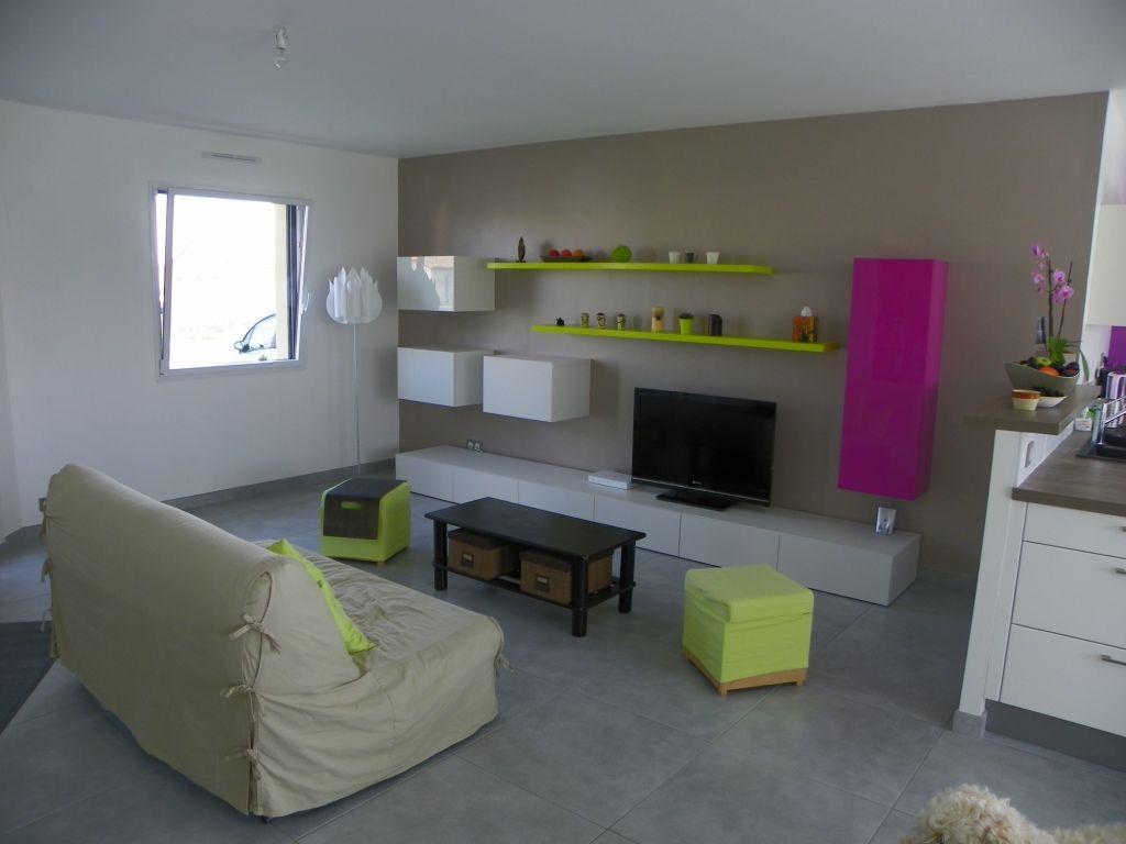 Autre pièce habitable 54m2 mobilier blanc - Montigne Sur Moine (Maine Et Loire - 49) - aout 2011