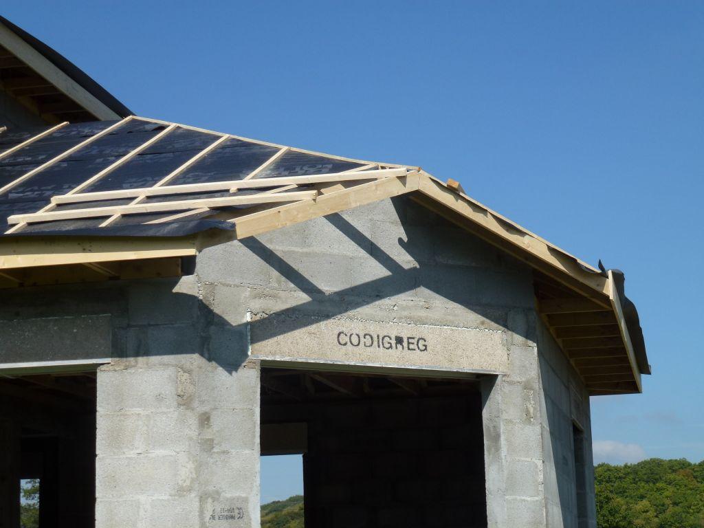 D bord de toit doit faire ses preuves isere - Debord de toit ...