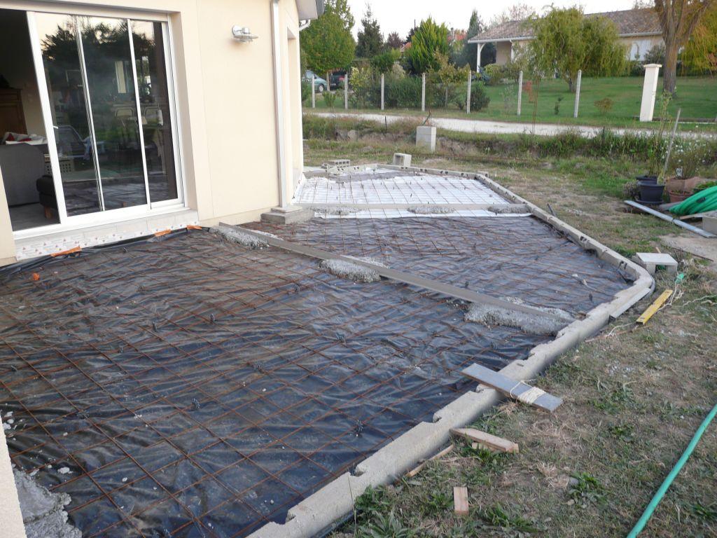 Terrasse et trottoirs terrasse b ton pr te tre - Terrasse en hauteur beton ...