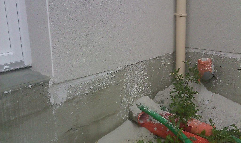 Probléme de découpe du crépis sur contour de la maison