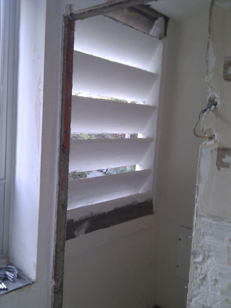 Future SdB (Cellier) : emplacement de la future fenêtre