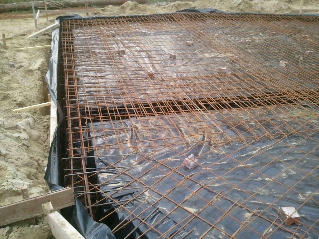 Porte d 39 entr e et de garage fondation pose de la feraille et du treillis condette pas de - Treillis soude pour dalle beton ...