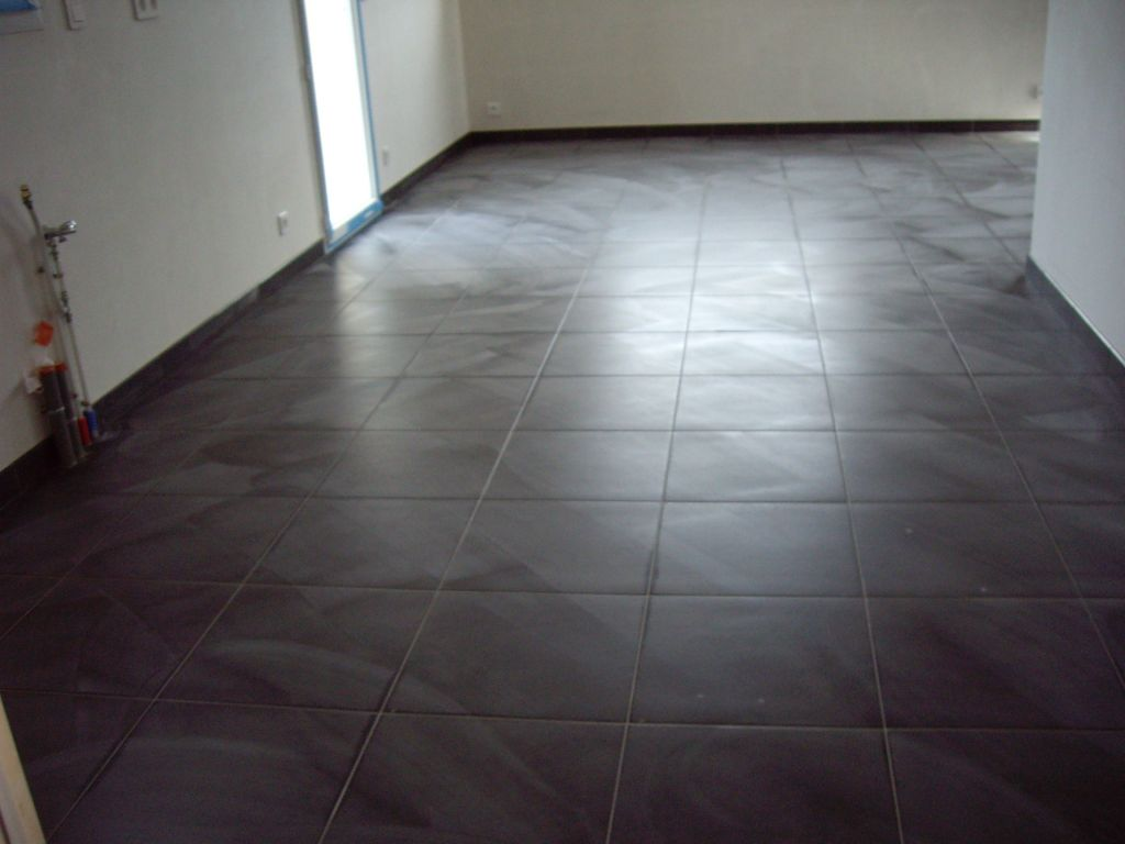 Poser du grand carrelage for Poser du carrelage 60x60