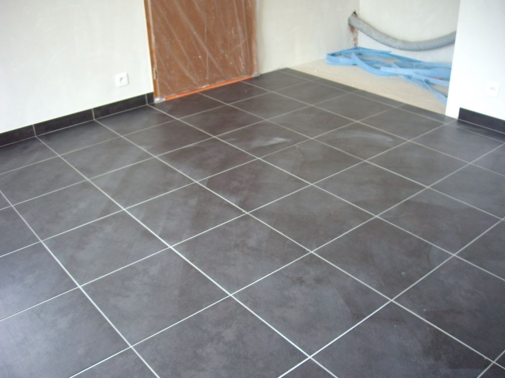 Pose carrelage droite ou diagonale 50 messages for Poser des carreaux de platre sur du carrelage