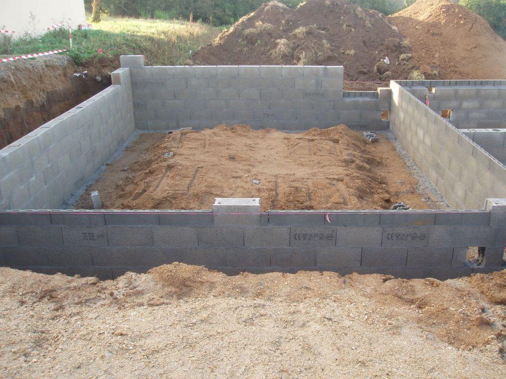Fondation vide sanitaire d frichage du terrain dalle for Fondation vide sanitaire