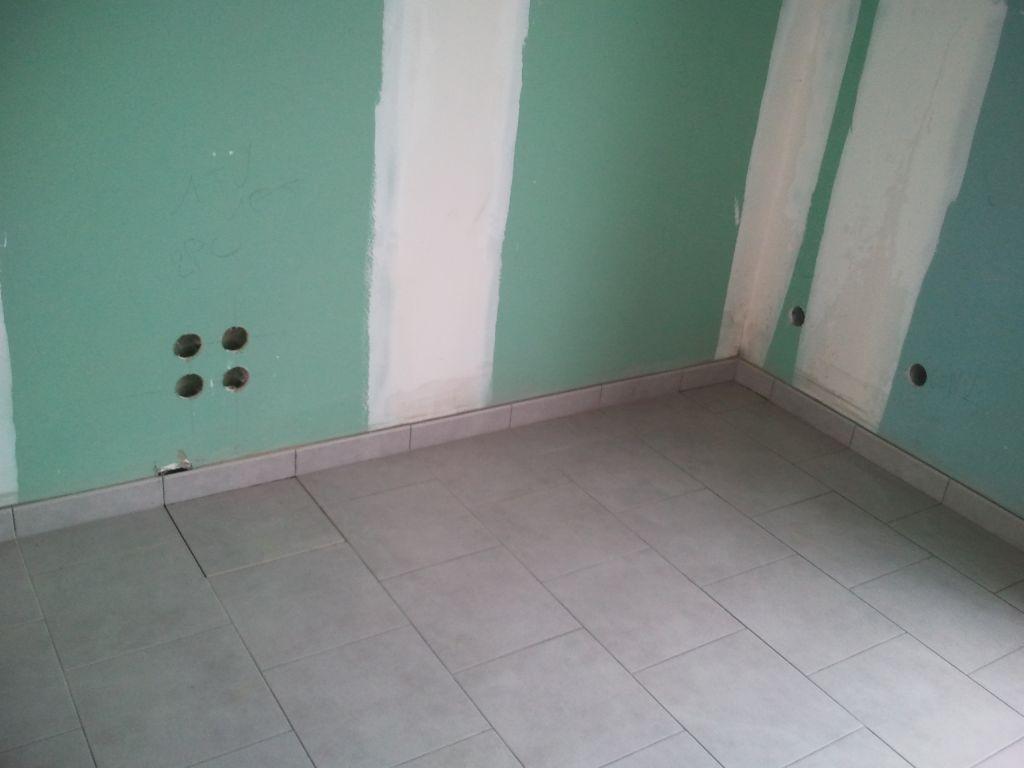 Carrelage dalle chambre fuite d 39 eau reprise du for Carrelage pour chambre