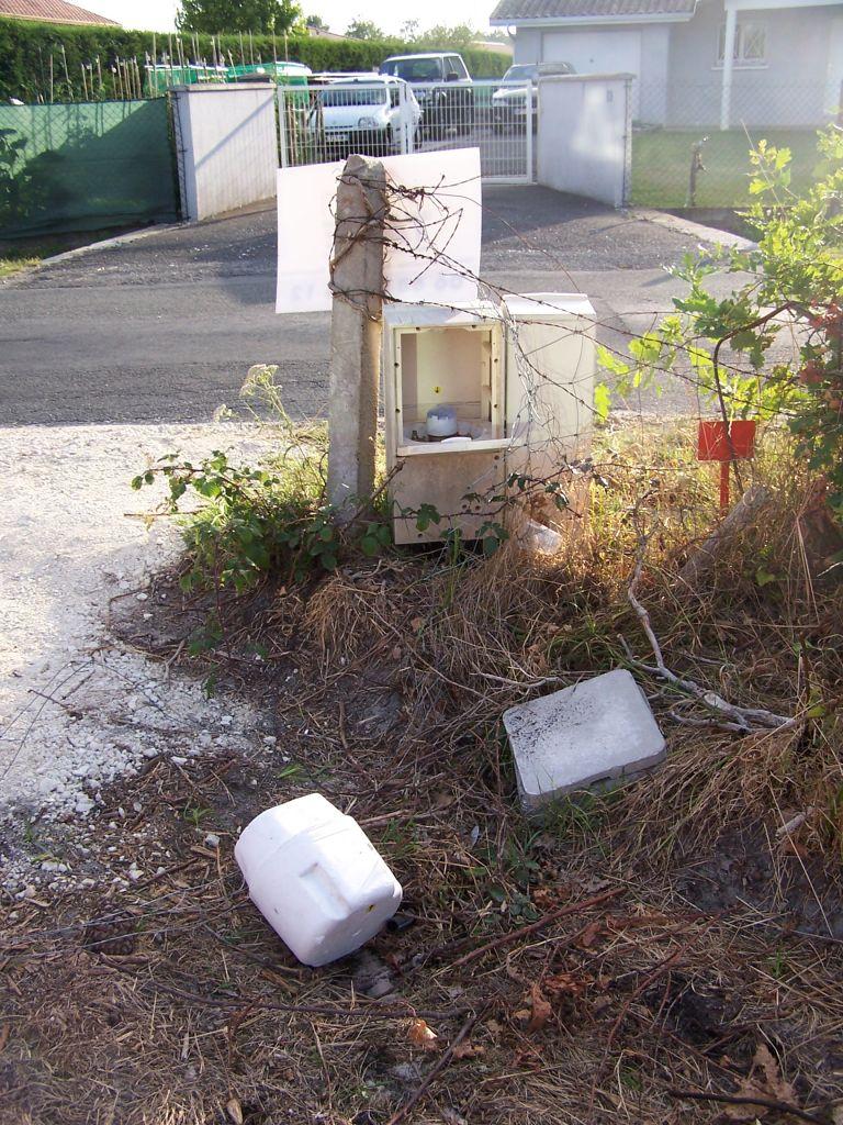 Le compteur d'eau et son isolant, remis en place après le travail, bien entendu...