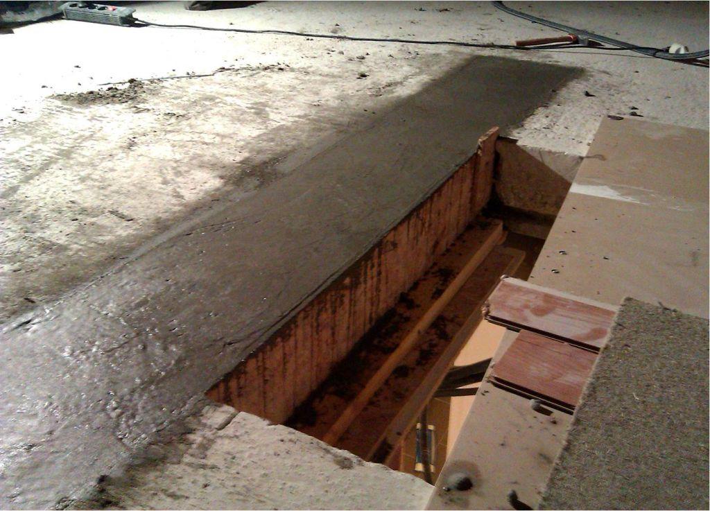 Nouveau chevêtre coulé. Environ 200 kg de gravier, 140 de sable et 70 de ciment.