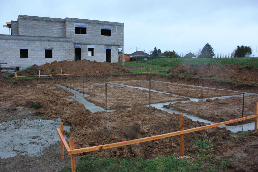 Terrassement et fondations vide sanitaire et dalle st for Terrassement et fondation
