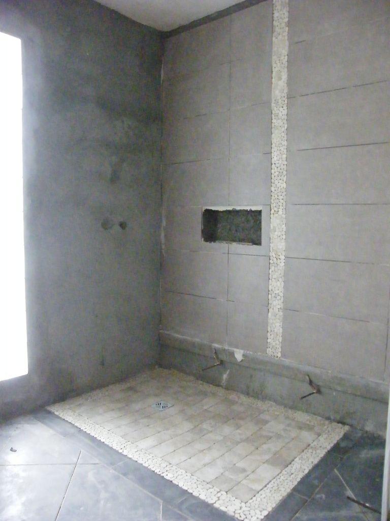 Photo d but pose fa ence salle de bain du bas carrelage fa ence reunion - Poser du carrelage salle de bain ...