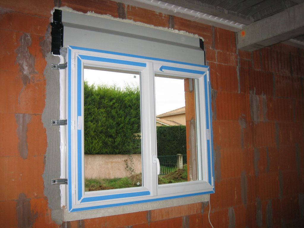 Charpente fermette film et pvc d bords de toiture pvc for Barillet porte fenetre pvc