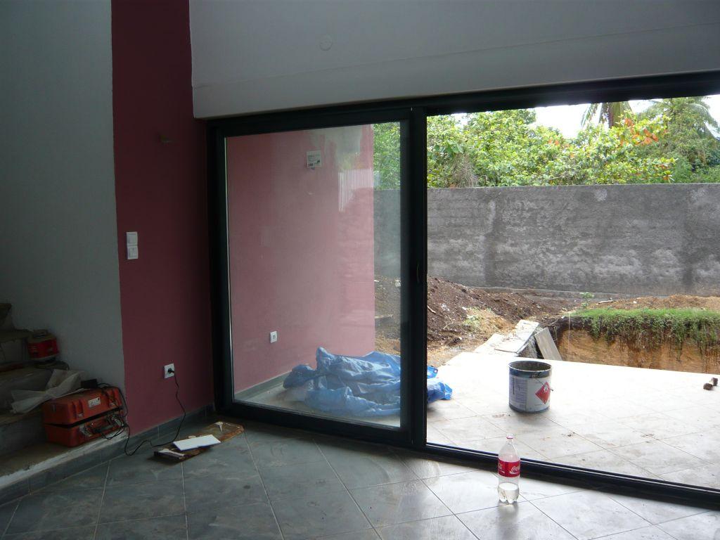 finitions en cours murs et peintures reunion. Black Bedroom Furniture Sets. Home Design Ideas