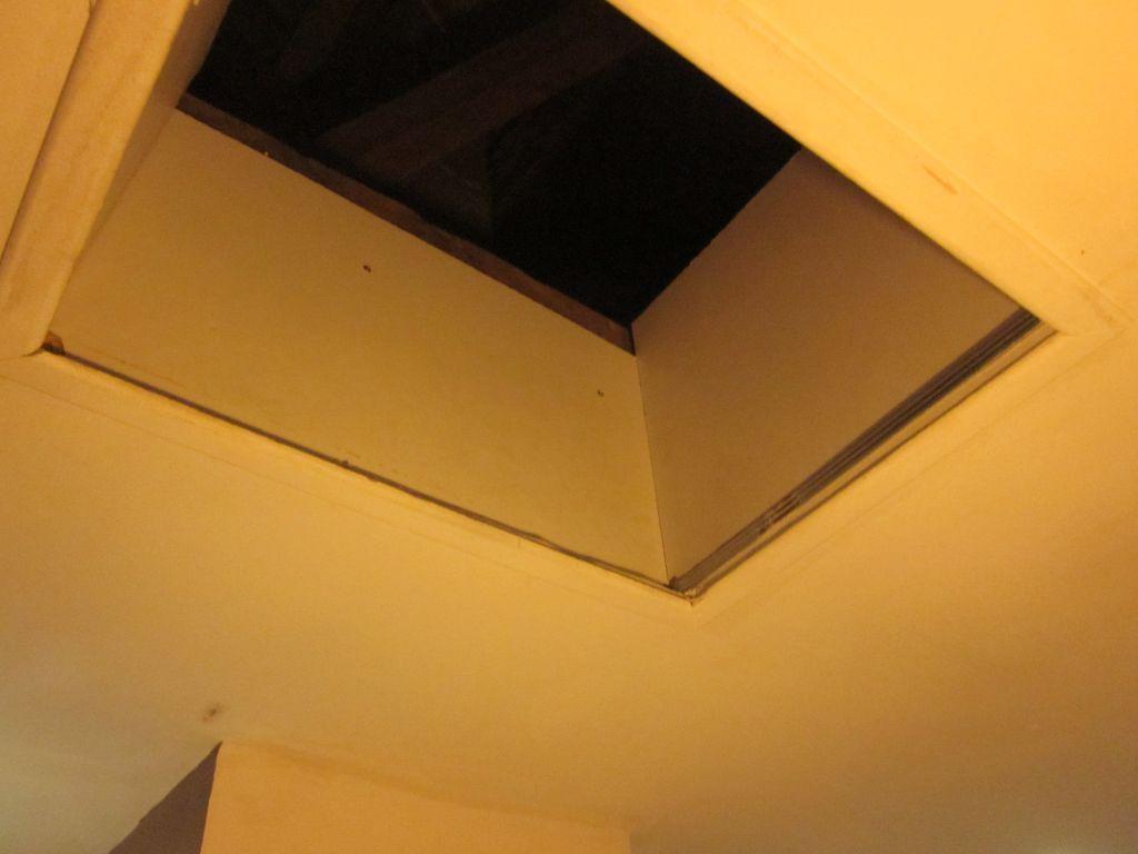 Trappe de visite faux plafond - Trappe de visite plafond avec echelle ...