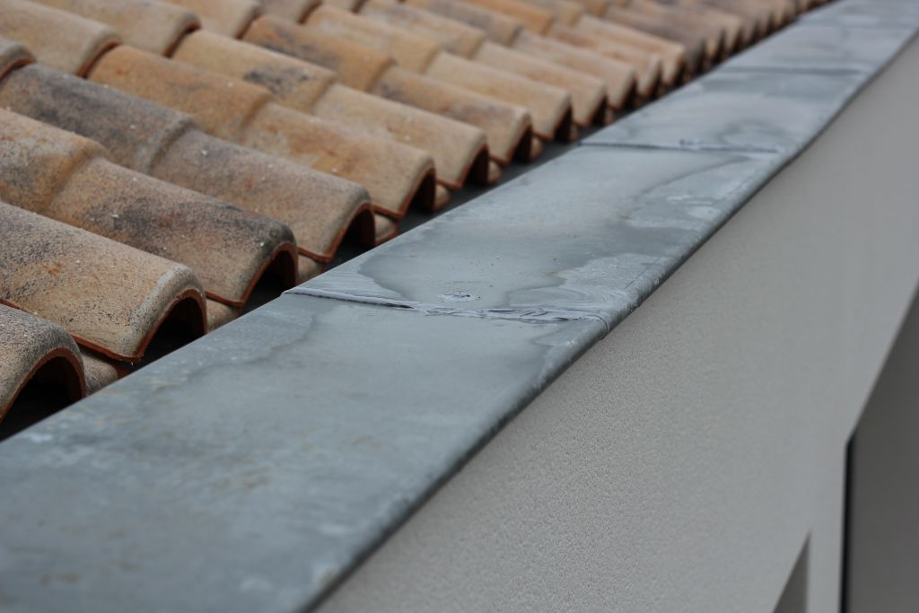 fuites couvertines zinc sur acrot res 6 messages. Black Bedroom Furniture Sets. Home Design Ideas