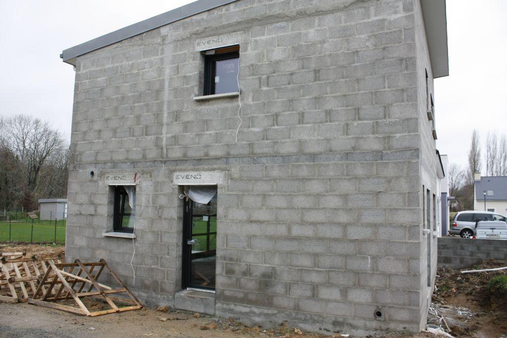 Pose des menuiseries la maison est hors d 39 eau hors d 39 air for Prix maison hors d eau hors d air 130m2