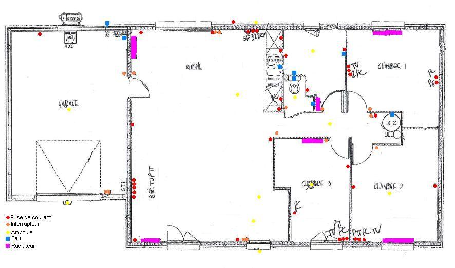 Suite au rendez vous de mise au point technique avec MFC, voici le nouveau plan <br />  <br /> - ballon d'eau chaude dans un placard du couloir (au lieu de la salle de bain car impossibilité de le mettre dans le garage) = modification des entrées des chambres et du couloir.