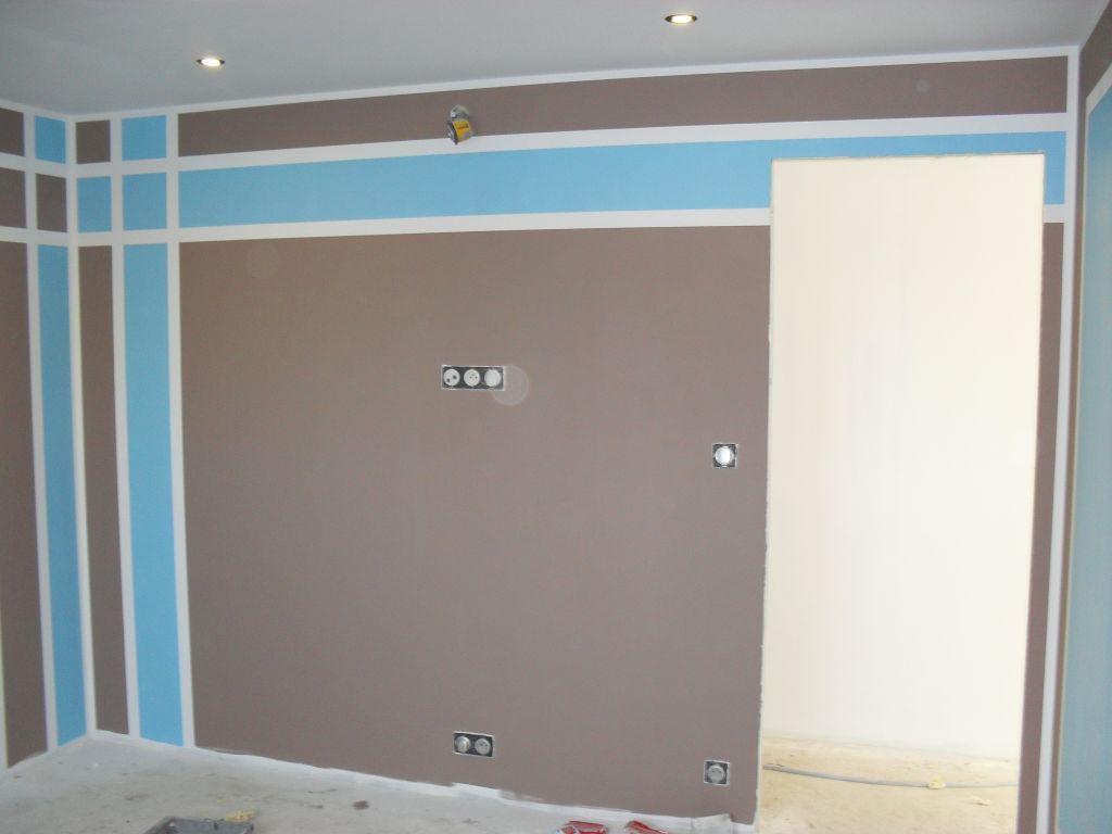 Corniche salle corniche entr e compteur electrique eure for Peinture couleur taupe et chocolat