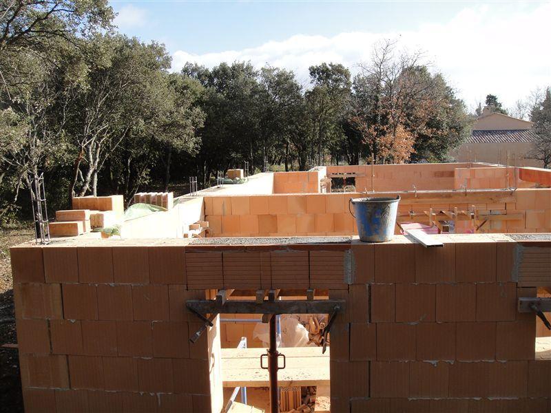 Le rez de chaussée avant la dernière rangée de briques et la dalle d'étage