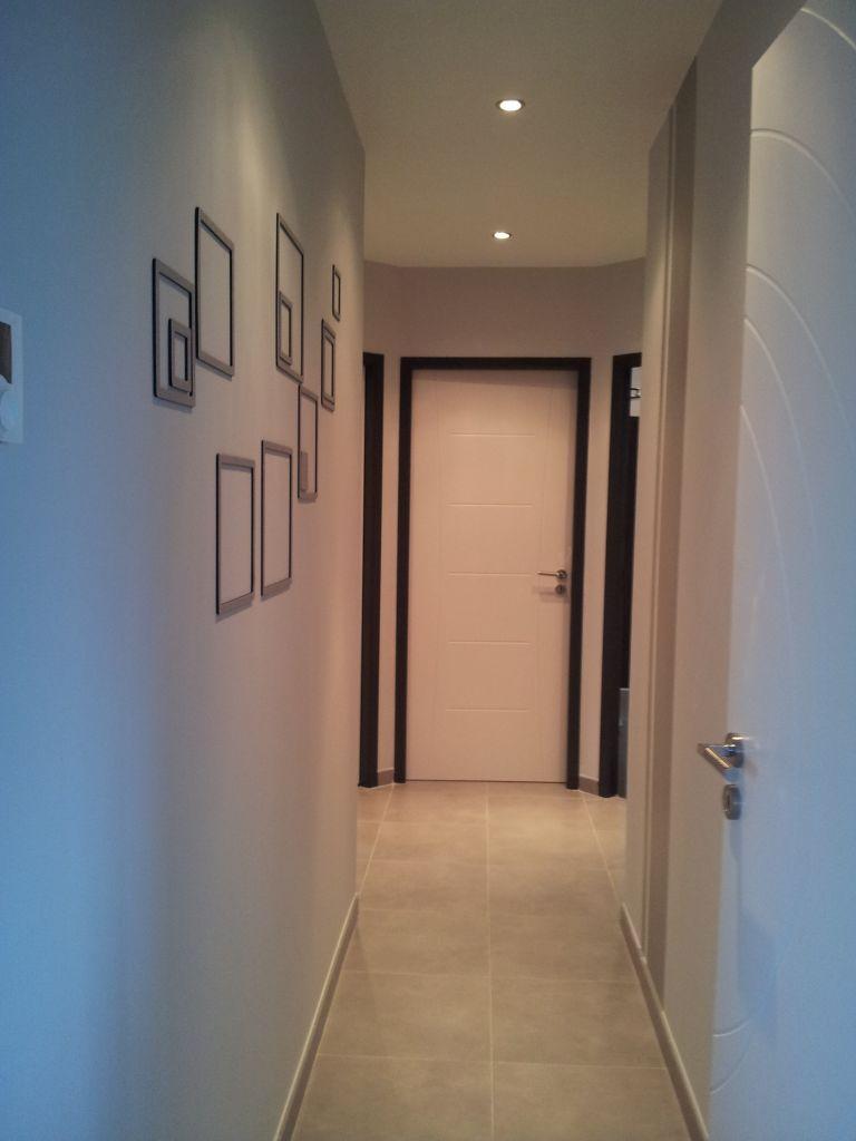 Dégagement / couloir 5.3m2 teintes murales blanches - Castelnau Sur Gupie (Lot Et Garonne - 47) - janvier 2012