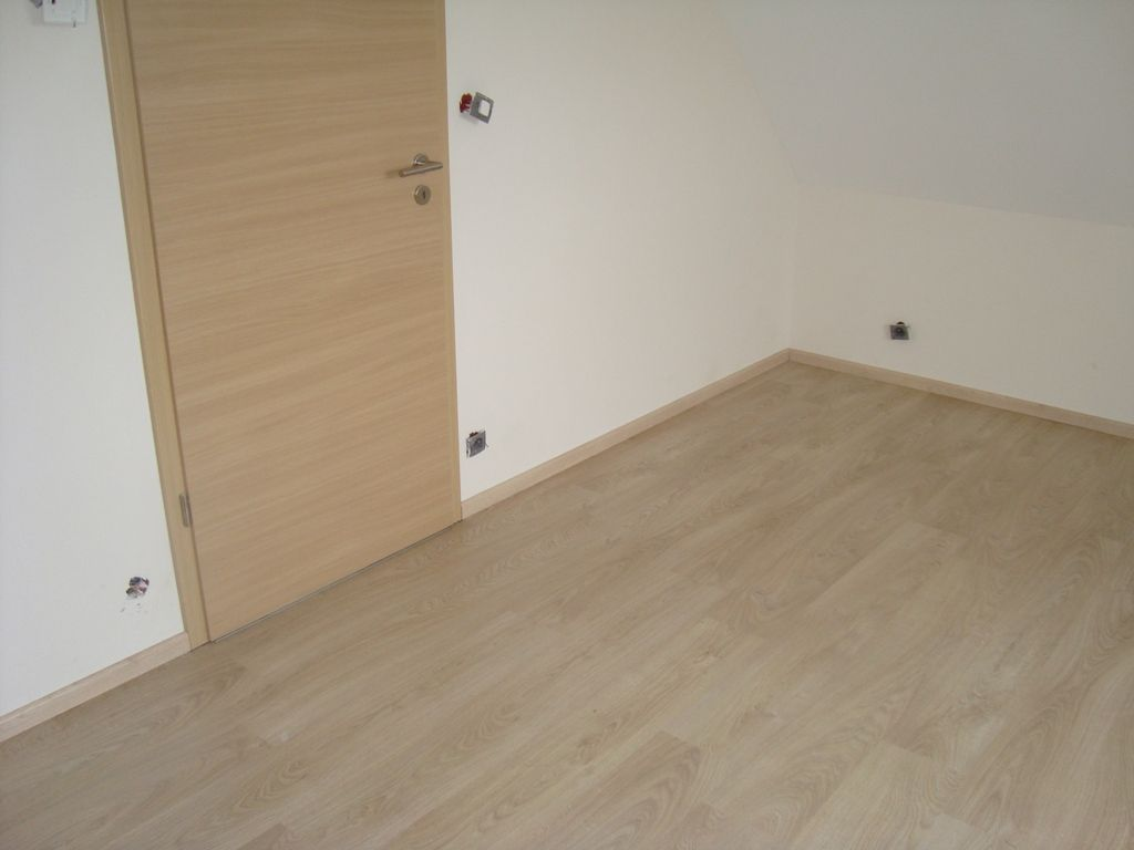 les sols et murs des chambres peinture sol garage. Black Bedroom Furniture Sets. Home Design Ideas