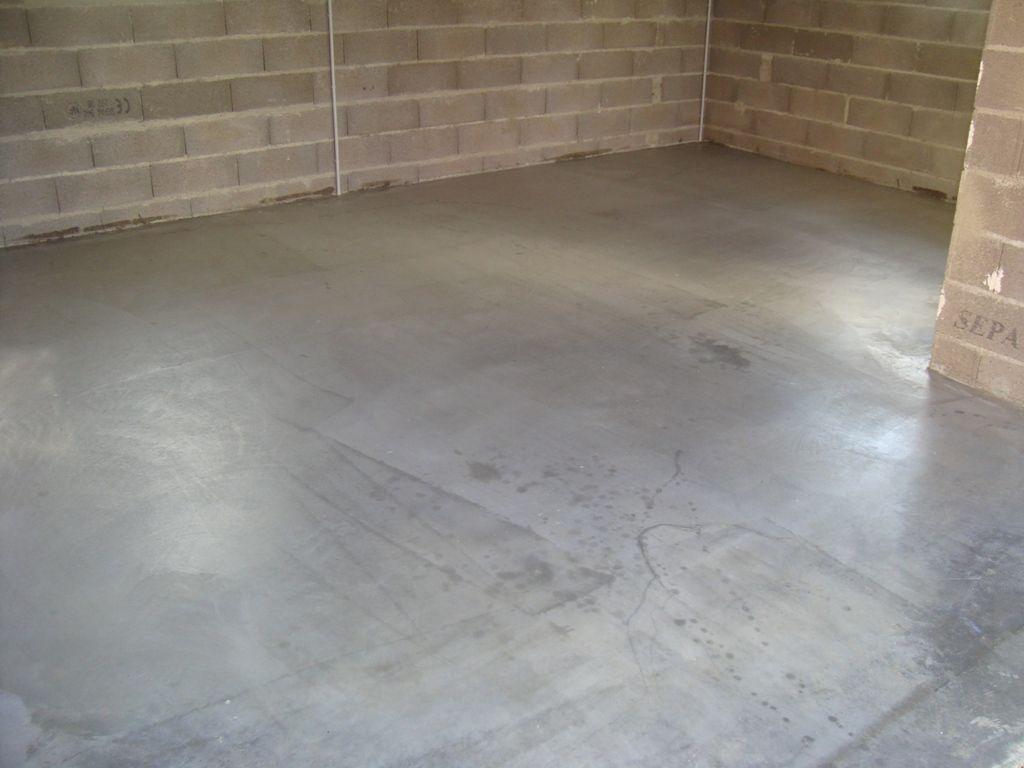 les sols et murs des chambres peinture sol garage d but du montage du meuble sdb ste croix. Black Bedroom Furniture Sets. Home Design Ideas