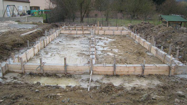 Fondations coul es vide sanitaire mont et dalle for Construire terrasse beton