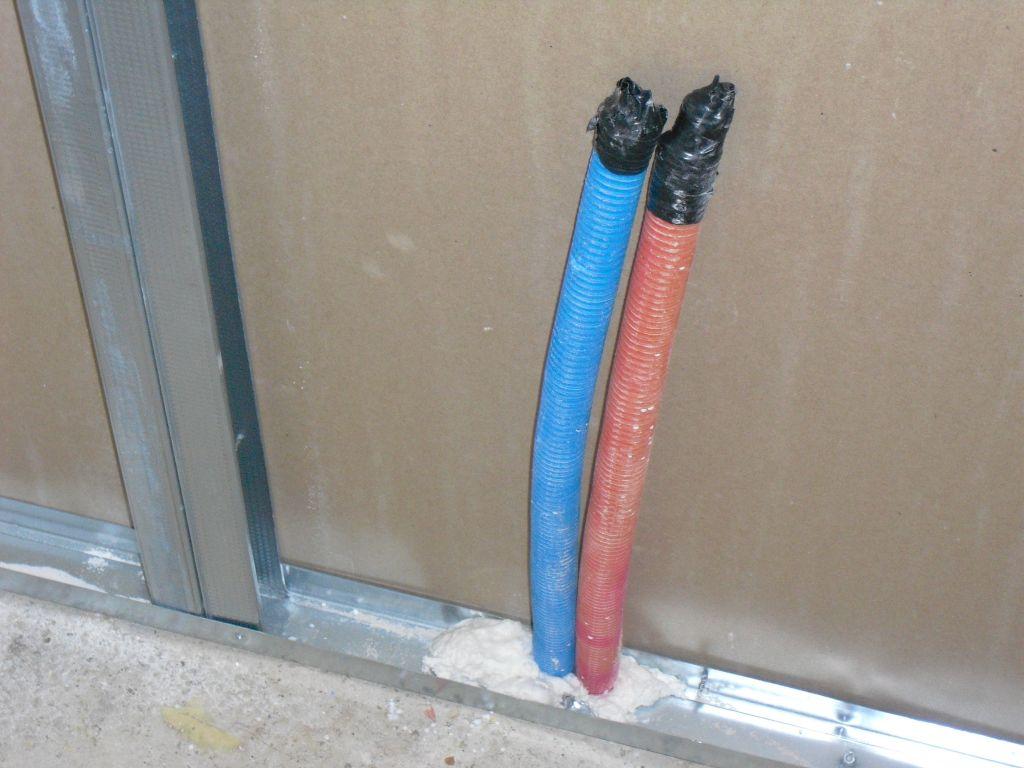 Tuyaux per d placer pour passage dans cloisons 16 messages for Cacher des tuyaux de chauffage