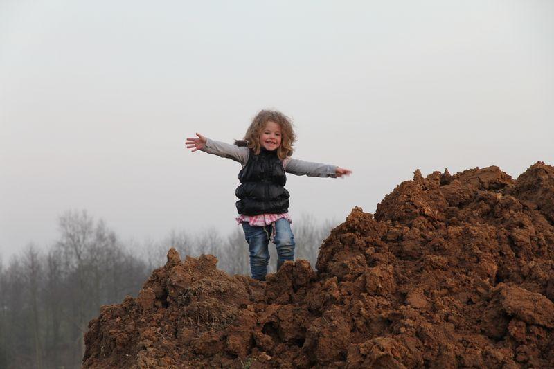Ma fille qui escalade déjà !!