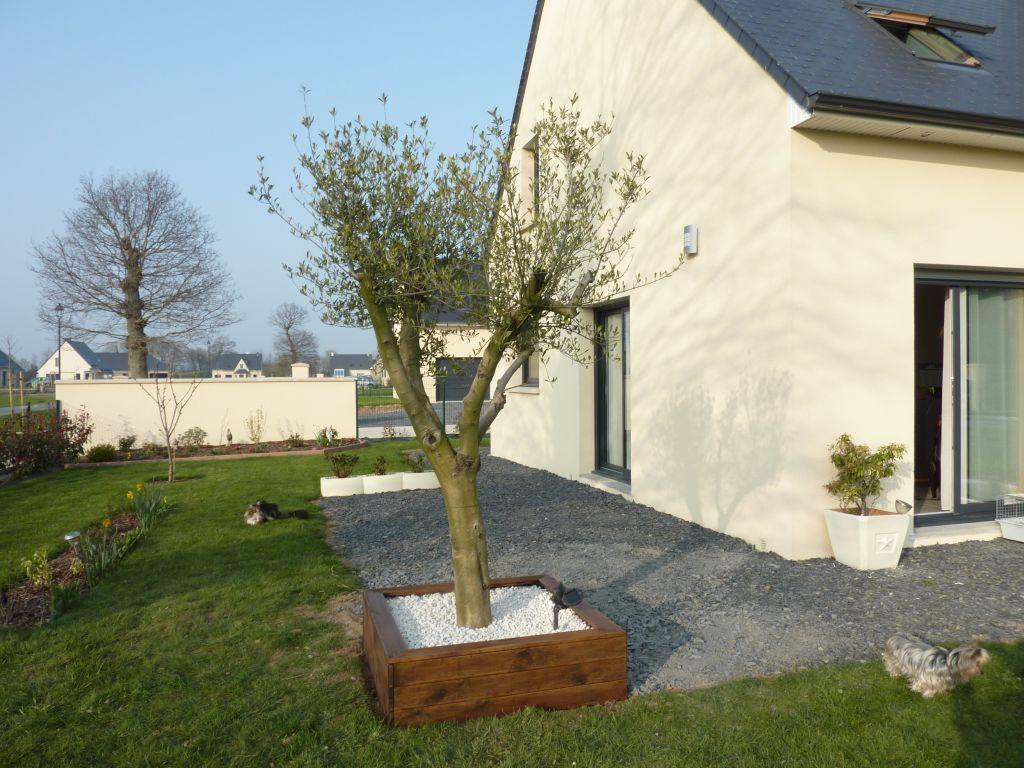 Au jardin terrasse bayeux calvados for Entretien jardin bayeux