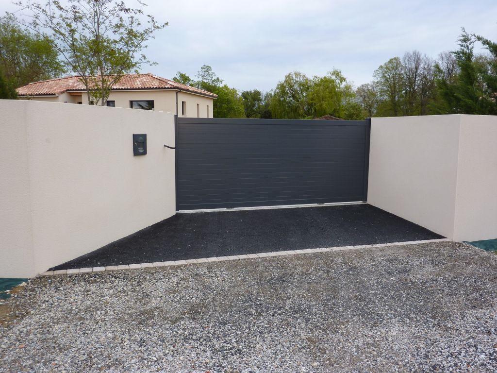 Portail - Bourg St Bernard (Haute Garonne - 31) - avril 2012